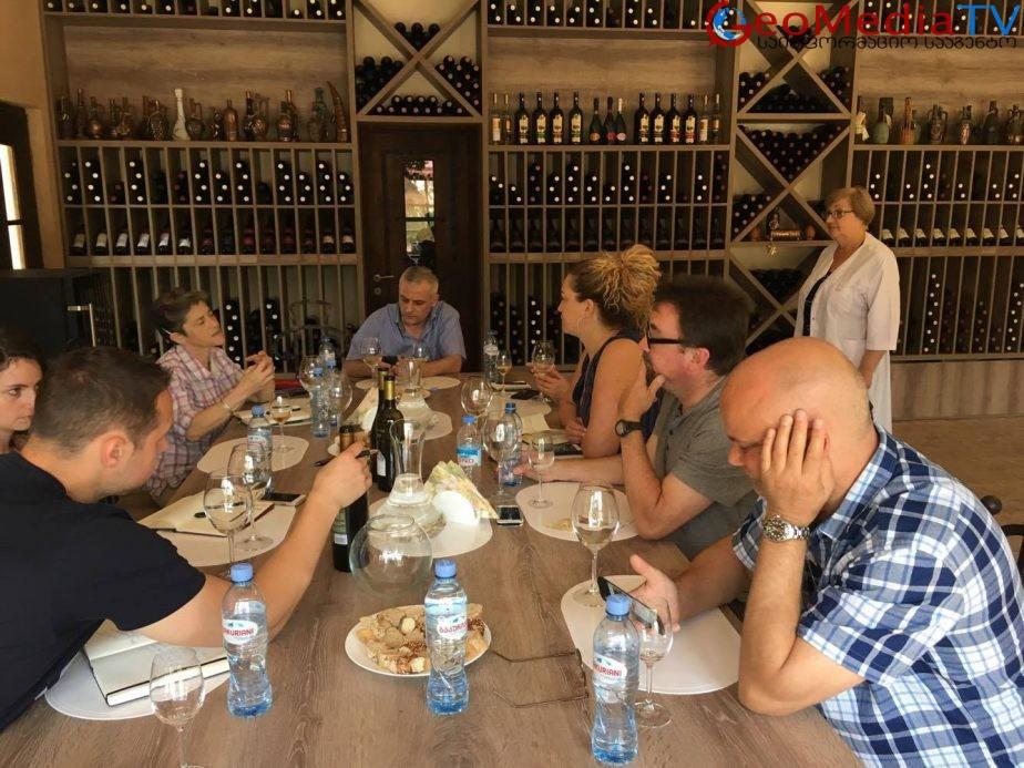 ამერიკელი ღვინის პროფესიონალები ქართულ ღვინოს ეცნობიან