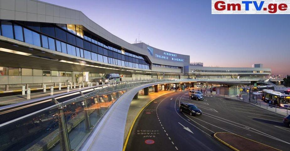 უსახლკარო კაცმა პარიზის აეროპორტში 300 000 ევრო მოიპარა
