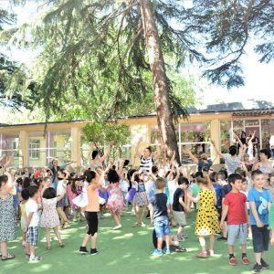 40 საზაფხულო ბაღი – მხიარული პატარები და ბედნიერი მშობლები…