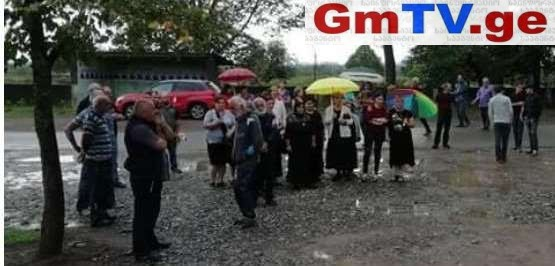 გარდაცვლილი ჯარისკაცის სოფელი საპროტესტო აქციებით და არჩევნების ბოიკოტით იმუქრება